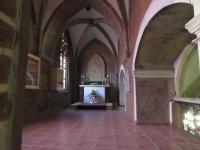 Kaplica na wysokości triforium nawy