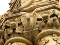 Pelikan - zdobienie fasady zachodniej