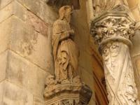Jednak z gotyckich figr portyku