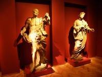 Barokowe figury z kościoła św. Krzyża