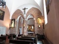 Wnętrze kościoła z filarem tęczowym