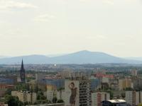 Wieża kościoła przy ul. Kruczej oraz Masyw Ślęży