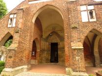 Portyk wejściowy kościoła
