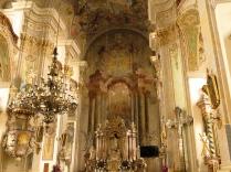 Prezbiterium kościoła Podwyższenia Krzyża Św.