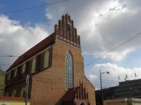 Fasada zachodnia kościoła