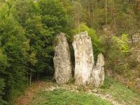 Przy wejściu do Jaskiń Słupsko-szoszuwskich