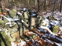 Ścieżka pod skałami