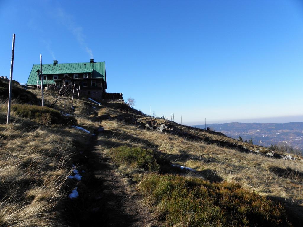 Tourist hut on slopes of Łabski Szczyt