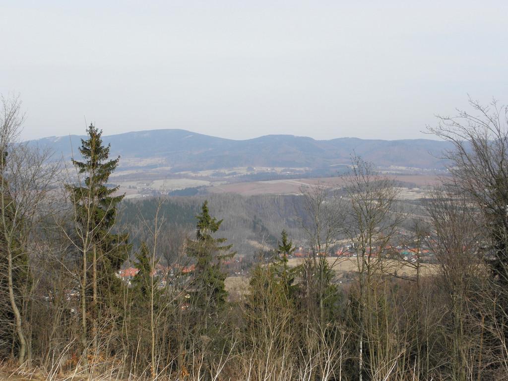 Widok z G. św. Anny na Góry Sowie