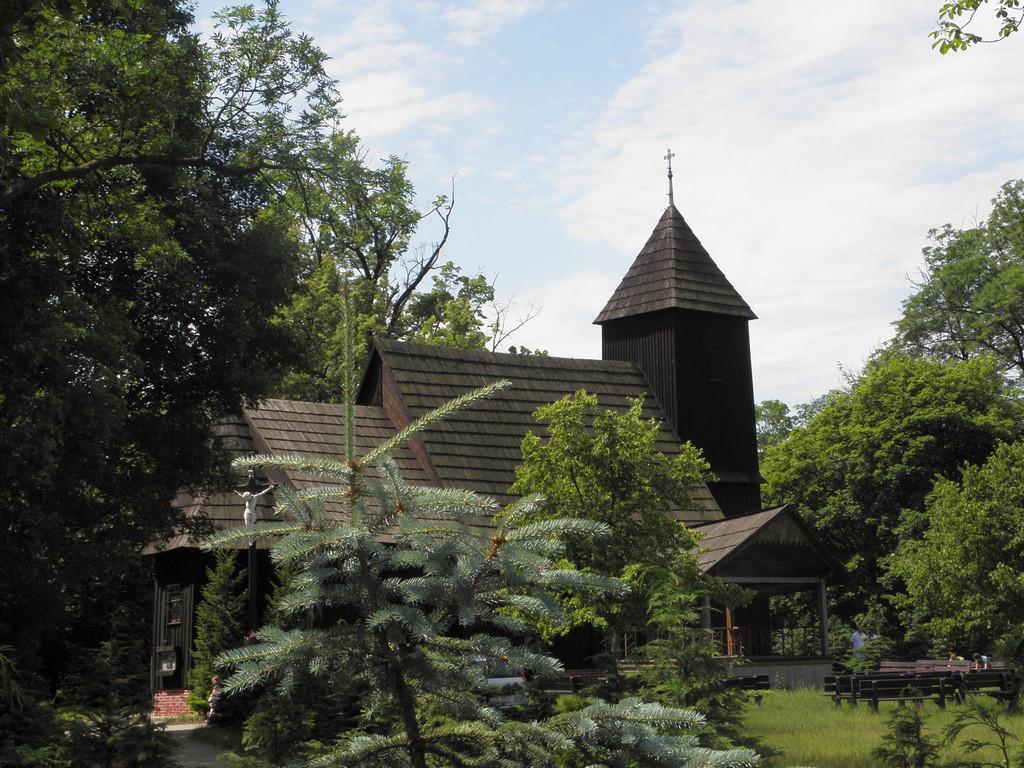 Chełstów - kościół