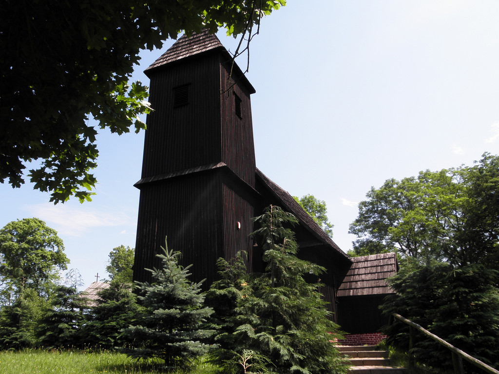 Chełstów - kościół drewniany