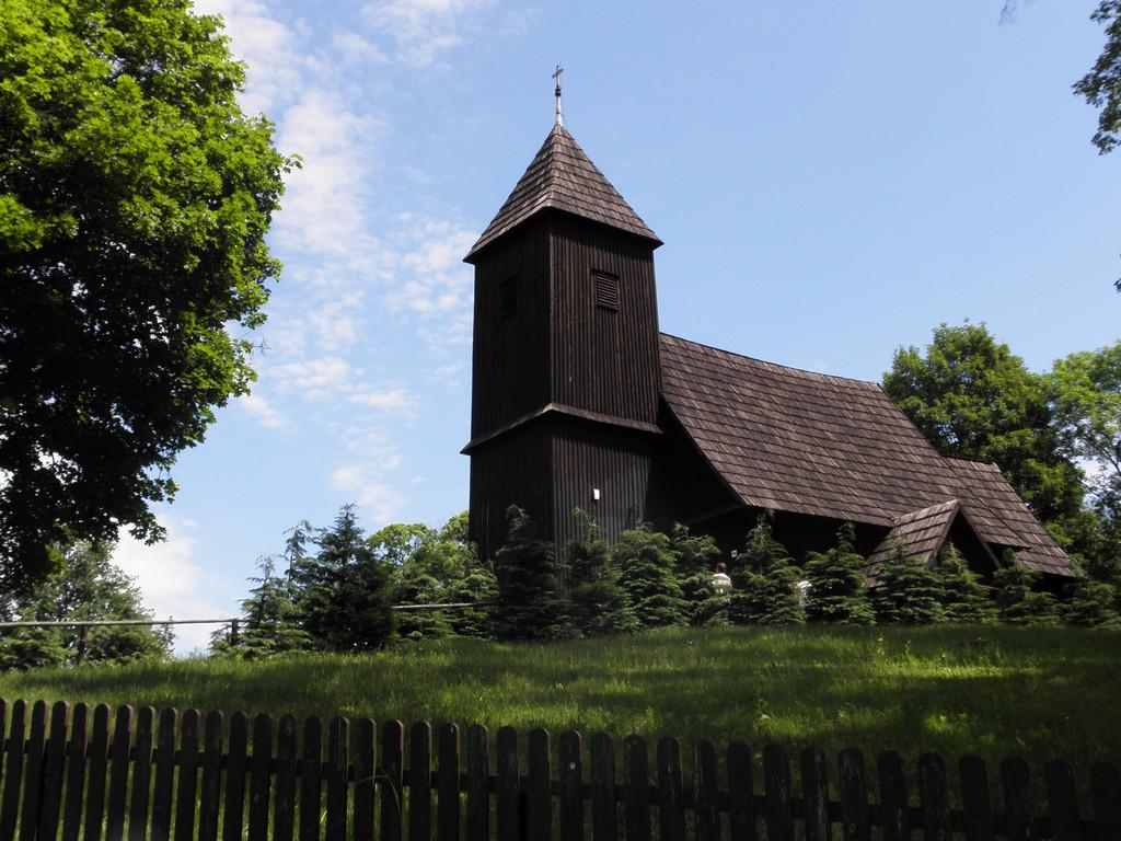 Kościelne wzgórze w Chełstowie