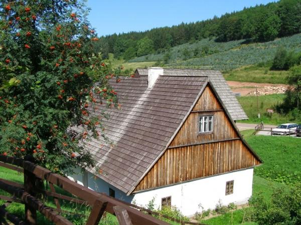 Inn from Szalejow in Pstrazna