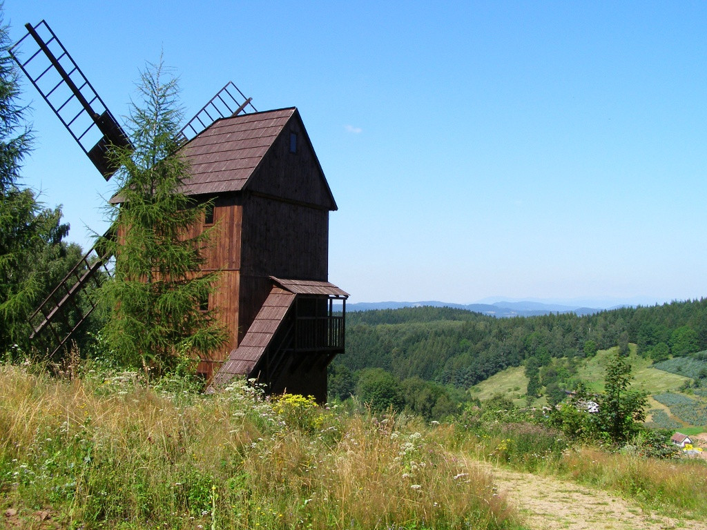 Windmill in Pstrazna
