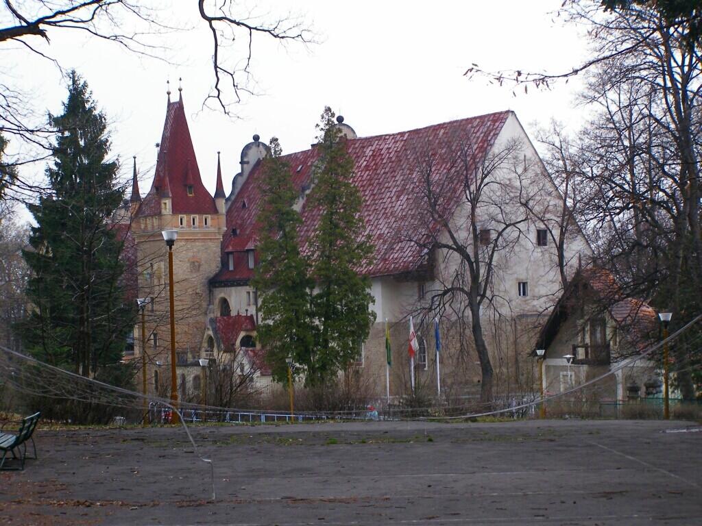 Palace in Sobotka-Gorka