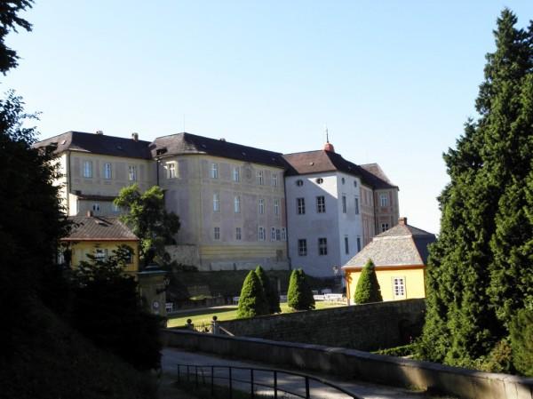 Jansky vrch - courtyard of the castle