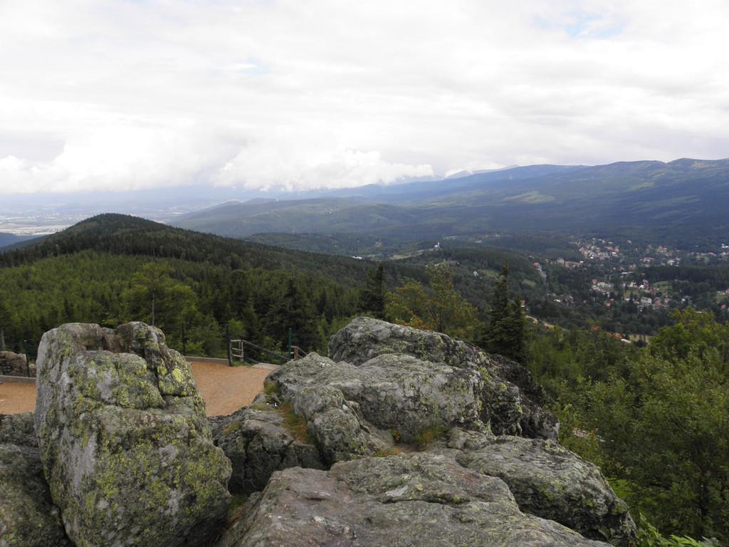 On summit rocks of Wysoki Kamień