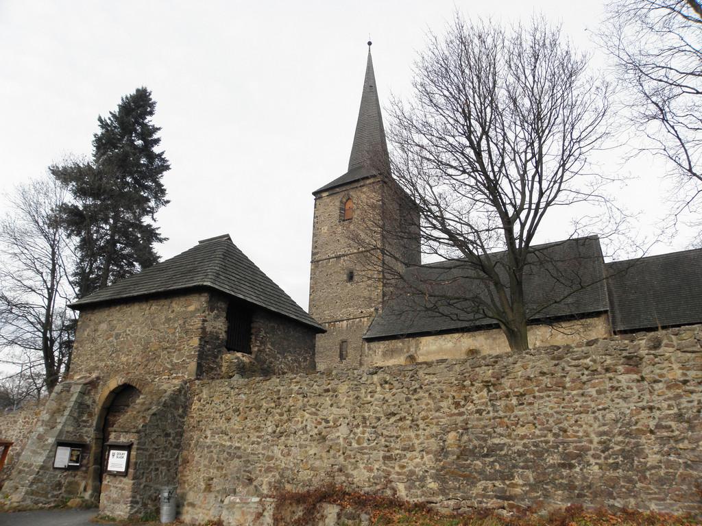 Świerzawa - kościół romański