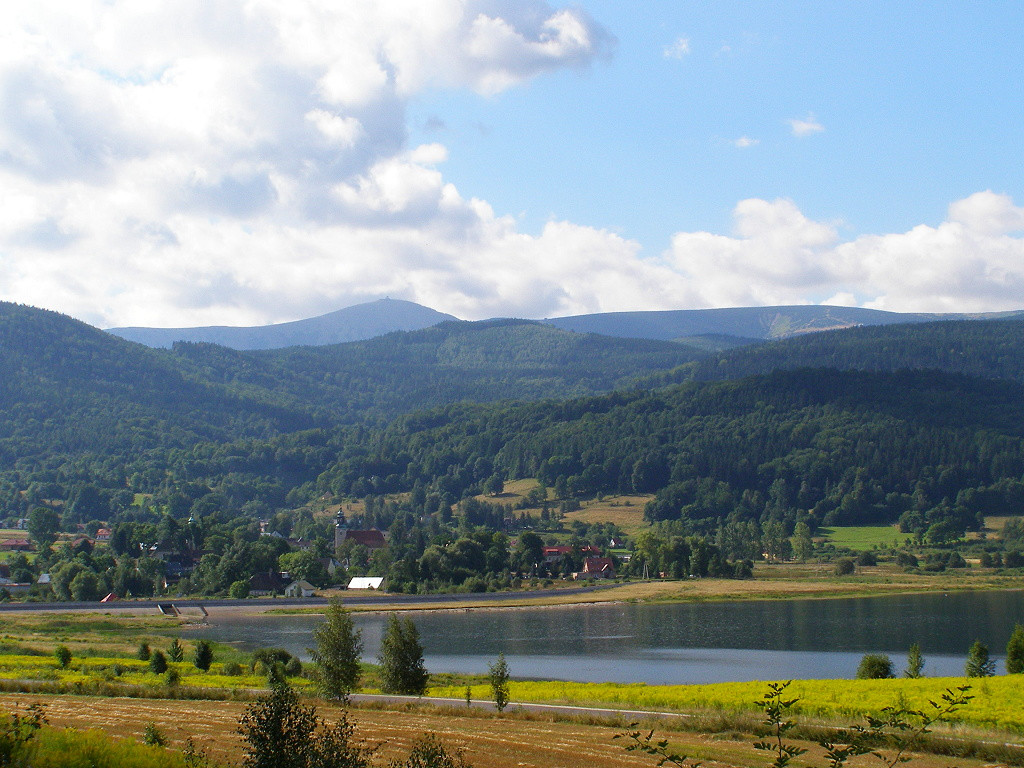 Sniezka (1603 m) from the reservoir in Sosnowka