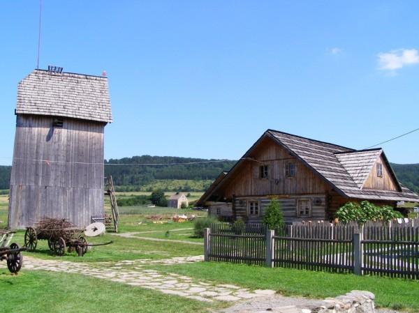 Old windmill & huts in Czermna