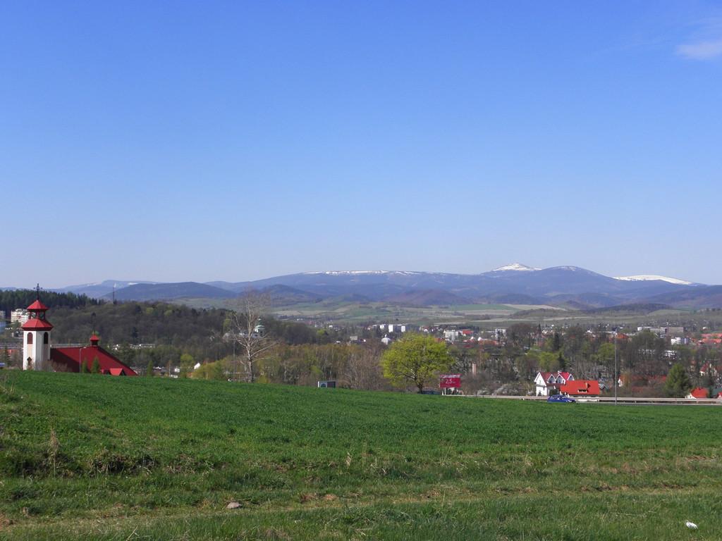 Panorama znad wjazdu do Kamiennej Góry